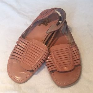 EUC Huaraches Style Sandals